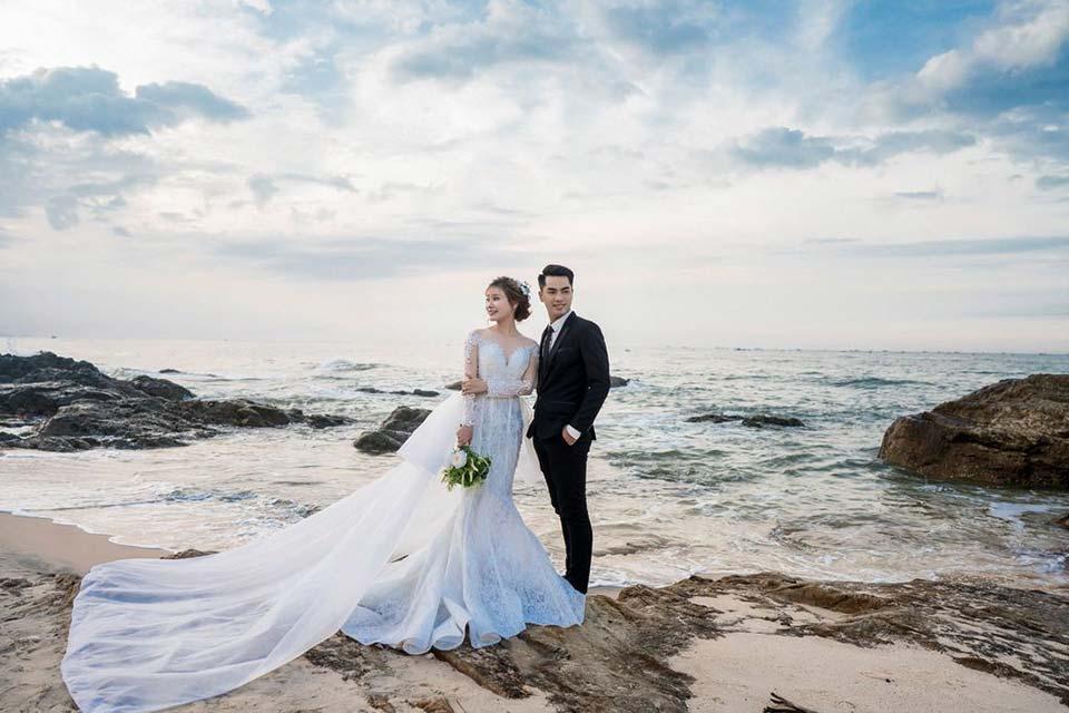ảnh cưới bờ biển
